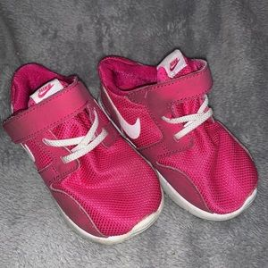 Nike toddler sneakers size 6